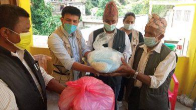 Photo of अर्मादी कल्याणकारी समाज र भोलिन्ट्यर्स क्रपस नेपालद्वारा स्वास्थ सामाग्री सहयोग